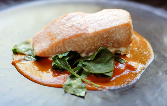 roasted-red-pepper-tomato-sauce-spinach-salmon-gluten-free-recipes
