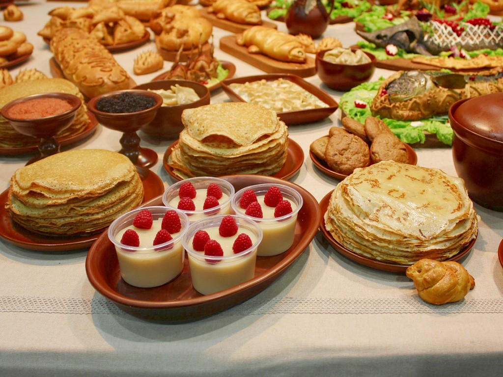 what should you eat for breakfast-pancakes - balanced breakfast