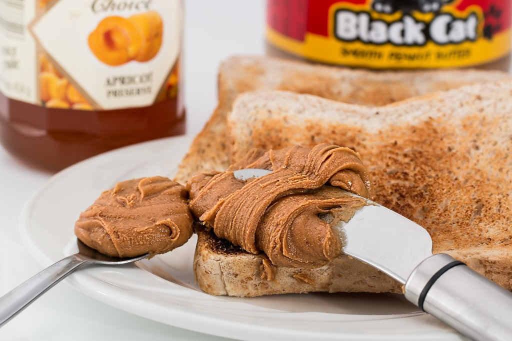 what should you eat for breakfast-peanut-butter - balanced breakfast